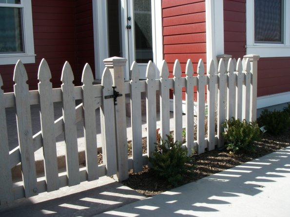 ZA Quality Fencing | Wood Fences | Deco Picket Top with ...