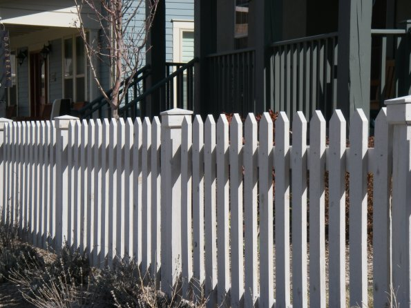 » Wood Fences » Picket Fence with Cabots Bleaching Oil finish